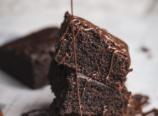The Chocolate meets the Chickpeas. Who said that vegan cakes aren't good enough?